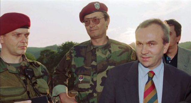 Ostavio utisak na Kapetana: Frenki SImatović (sredina)