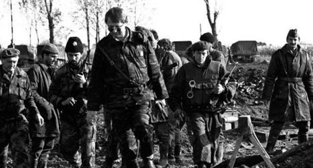 Šešelj sa svojim paravojnim jedinicama tokom ratova devedesetih